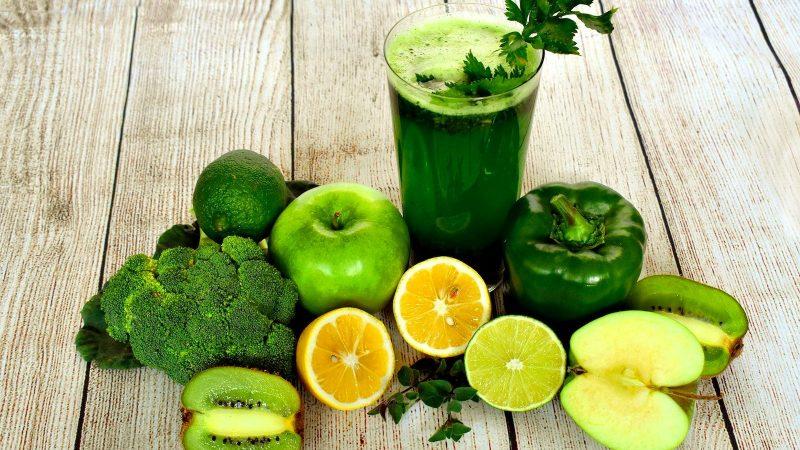 Najlepsze koktajle z zielonych owoców i warzyw